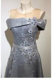 изтънчена абитуриентска рокля в металик с креативен дизайн
