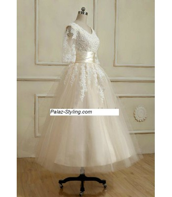 дантелена рокля с 3/4 ръкави в 3 гами