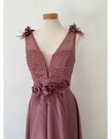 абитуриентска рокля 2021 с богата декорация за различни дами