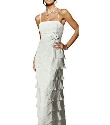 дълга луксозна сватбена рокля с цветя в крем