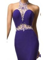 луксозна абитуриентска рокля с богата декорация от камъни