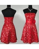 сияеща червена бална рокля с панделка