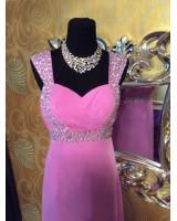 елегантна рокля със сияеща декорация и полугол гръб в 2 гами