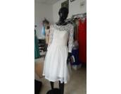 сватбена или официална рокля с ретро шик дизайн подходяща и за макси дами