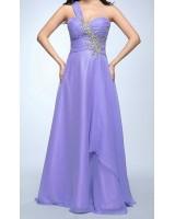 изключително нежна рокля с едно рамо и кристали в лавандула