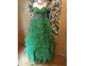 маркова бална рокля в салса стил с камъни