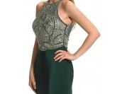 маркова тъмно зелена рокля с богата декорация и гол гръб