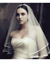нежно сватбено було със сатенен очерг