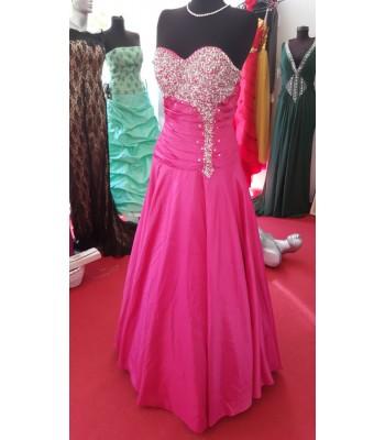 бална рокля в екзотичен цвят с декоративни кристали