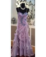 оригинална дизайнерска бална рокля с богата декорация в лилава гама