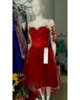 красива рокля в тъмно червено с ретро шик дизайн