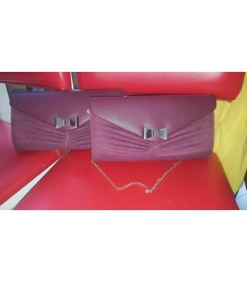 вечерна чантичка в бордо със златиста панделка