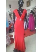 бутикова луксозна червена рокля под наем
