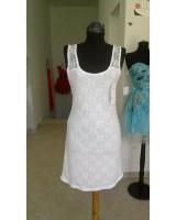 нежна бяла рокля с дантела