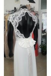 бюджетна сватбена булчинска рокля с яка подходяща за подписване