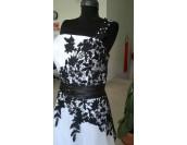 официална рокля на връзки с черна дантела