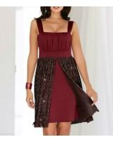 официална рокля в червено с интересен дизайн