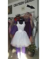 къса сватбена официална рокля с дантела и връзки