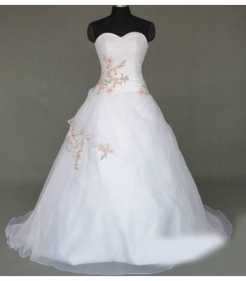 красива сватбена рокля с цветя в мини и макси размери