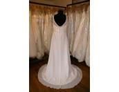 романтична булчинска рокля с дантела и полугол гръб хит