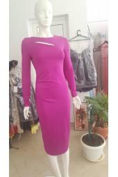 луксозна еластична рокля в неоново розово очертаваща фигурата