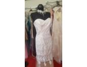 нестандартна бална сватбена рокля с полупрозрачен дизайн в шампанско и бяло
